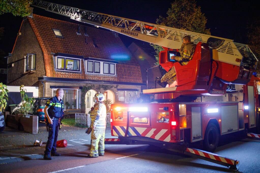 Brand in schoorsteen van woning