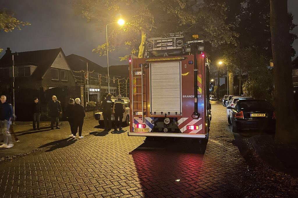 Buurtbewoners blussen buitenbrand