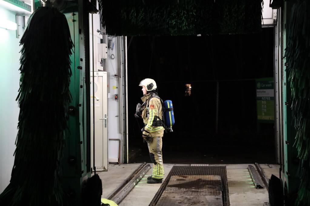 Brandweer doet onderzoek bij Carwash BP-tankstation