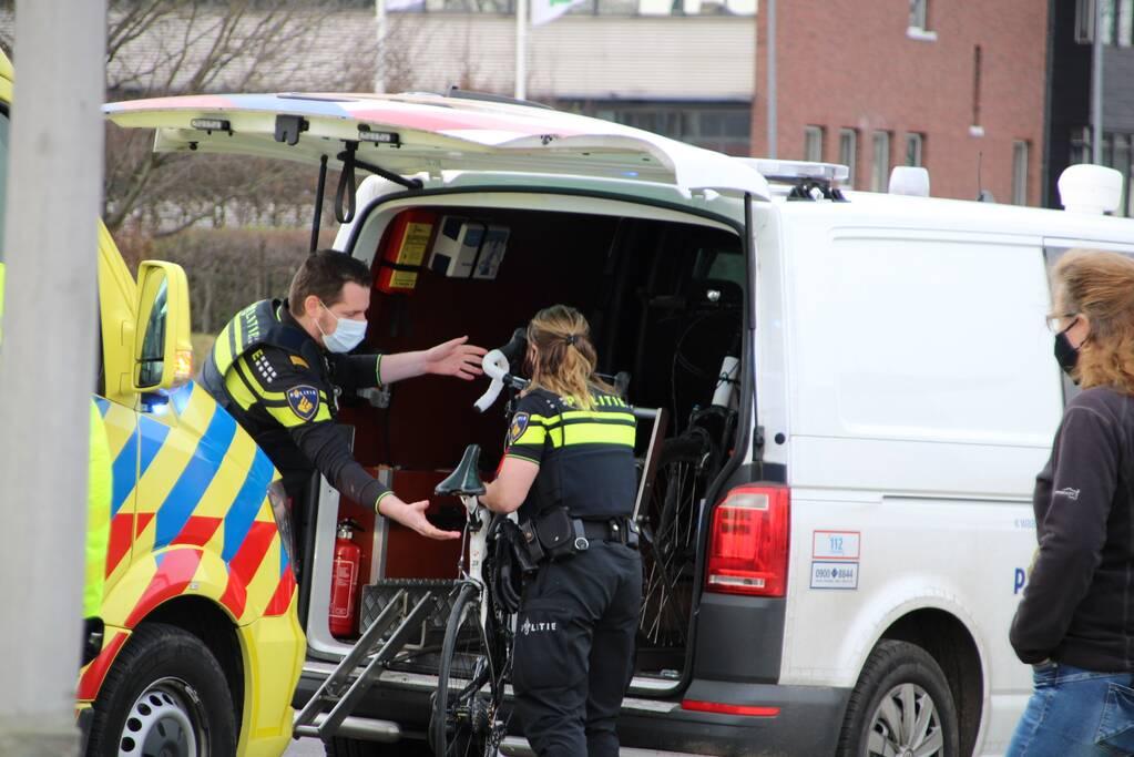 Wielrenster gewond bij botsing met auto