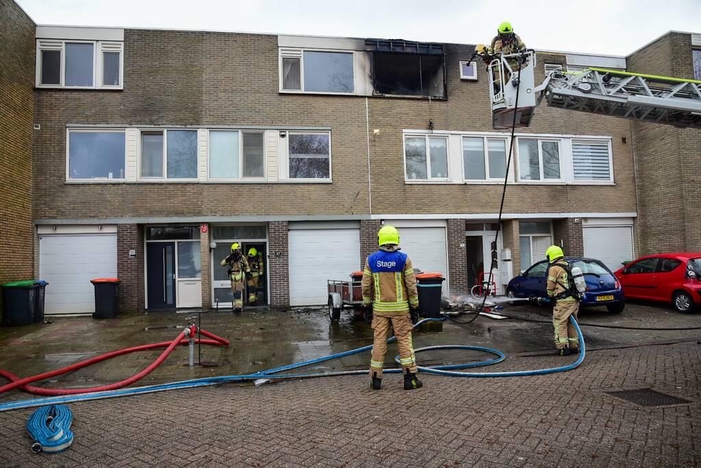 Slaapkamer compleet verwoest door uitslaande brand