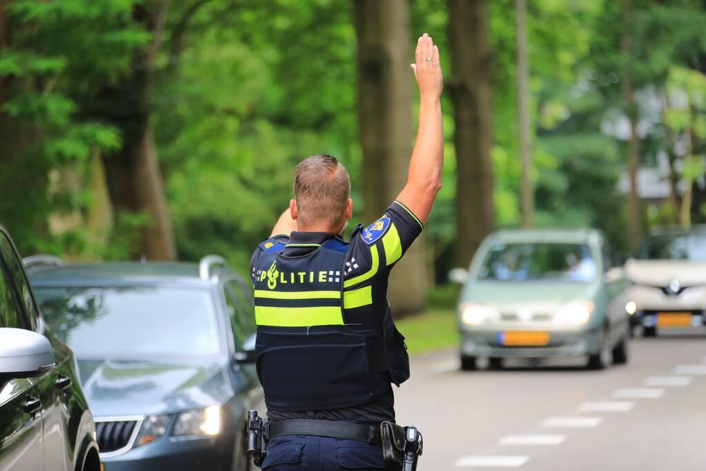 Politie schrijft 22 bekeuringen uit