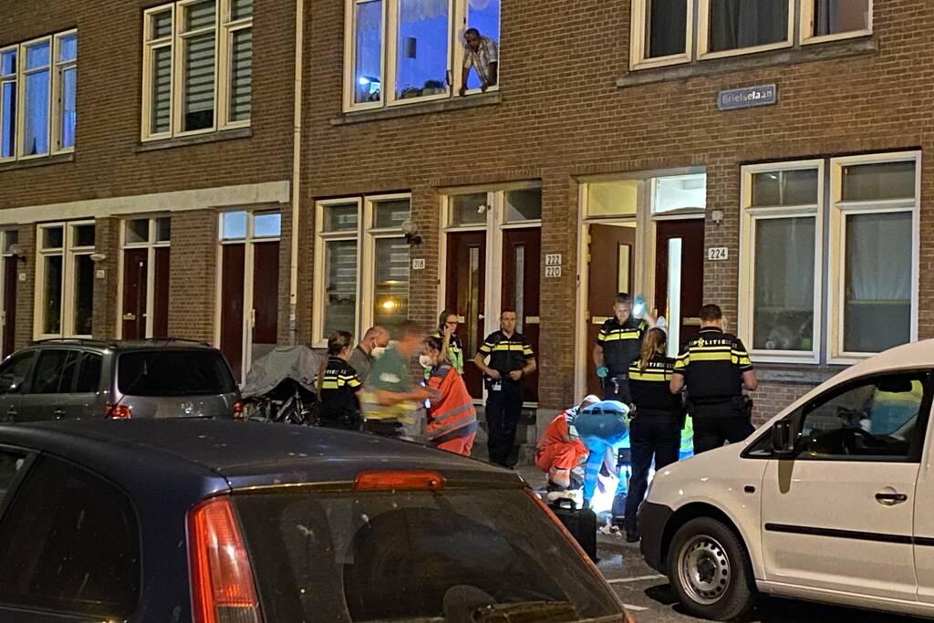 Persoon zwaargewond door incident op straat