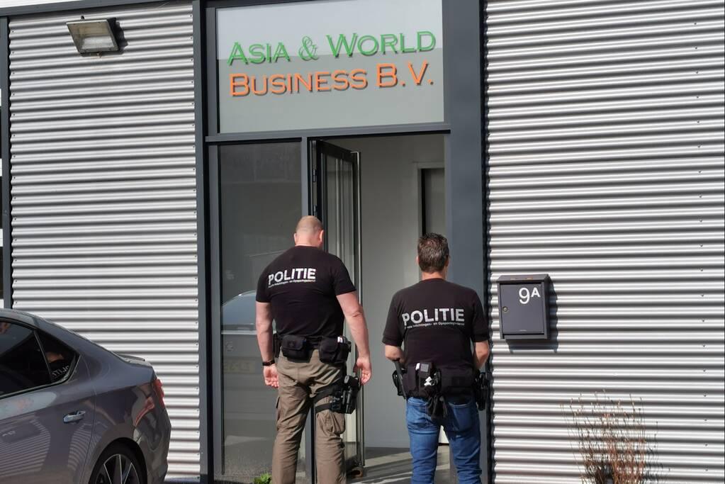 Politie en FIOD doen inval in bedrijfspand