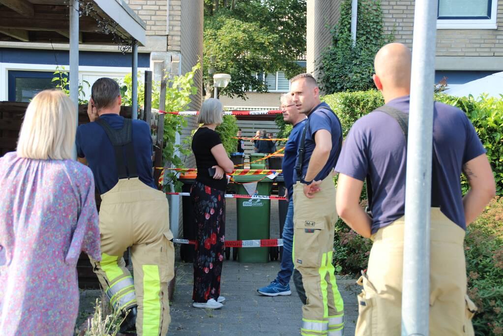 Brandweer sluit steeg af door instortingsgevaar