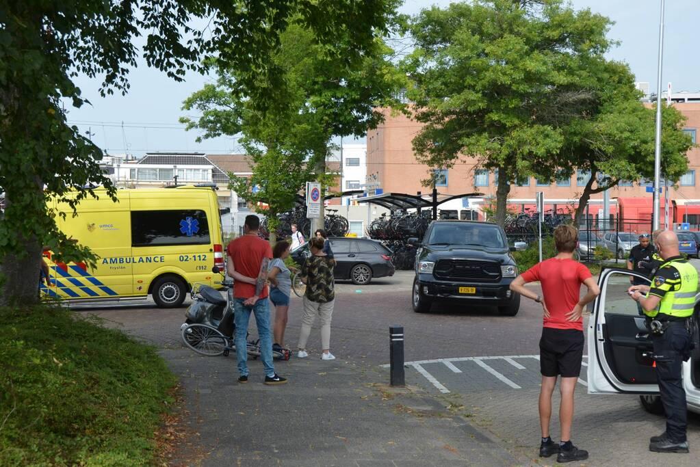 Fietser gewond bij botsing met pick-up wagen