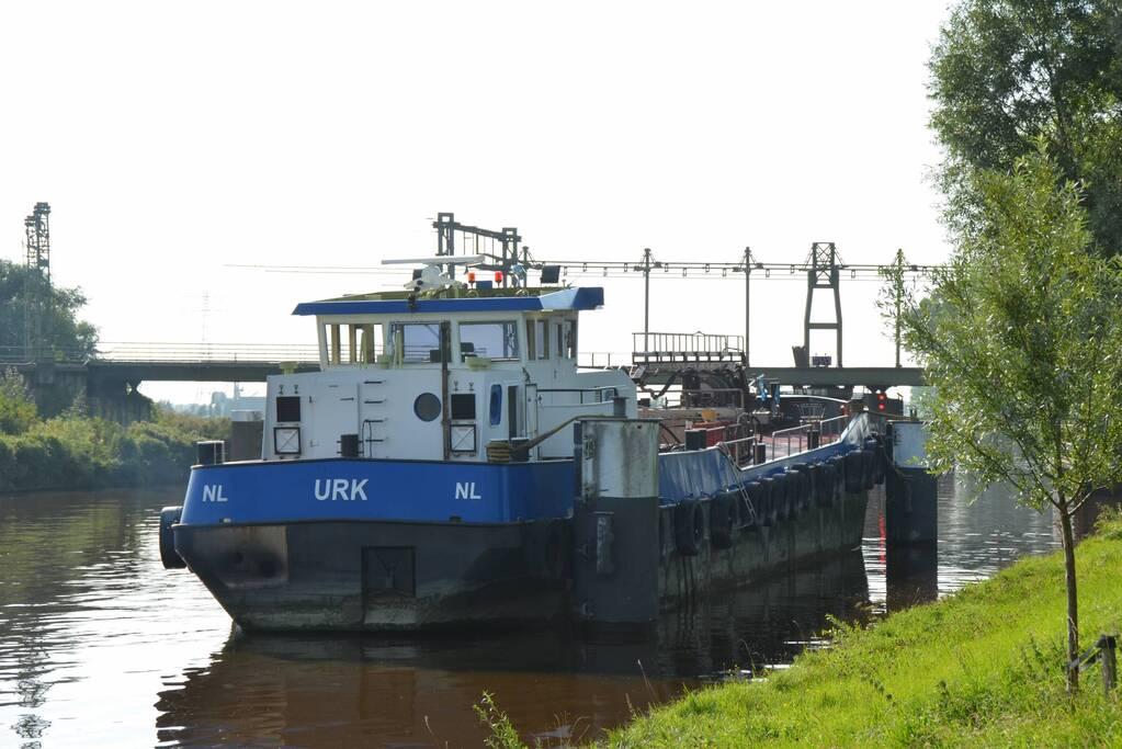 Vaarverkeer gestremd door storing in spoorbrug Van Harnixmakanaal