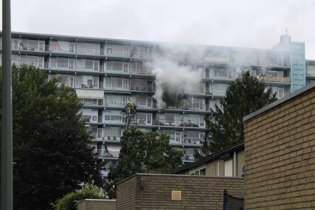 Gewonde bij hevige brand in flat