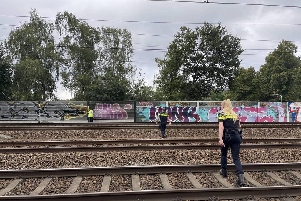 Treinverkeer stilgelegd door persoon op spoor