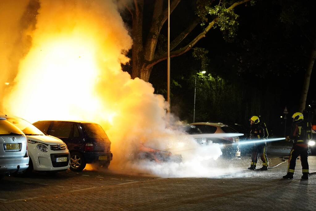 Zoveelste autobrand in dezelfde straat