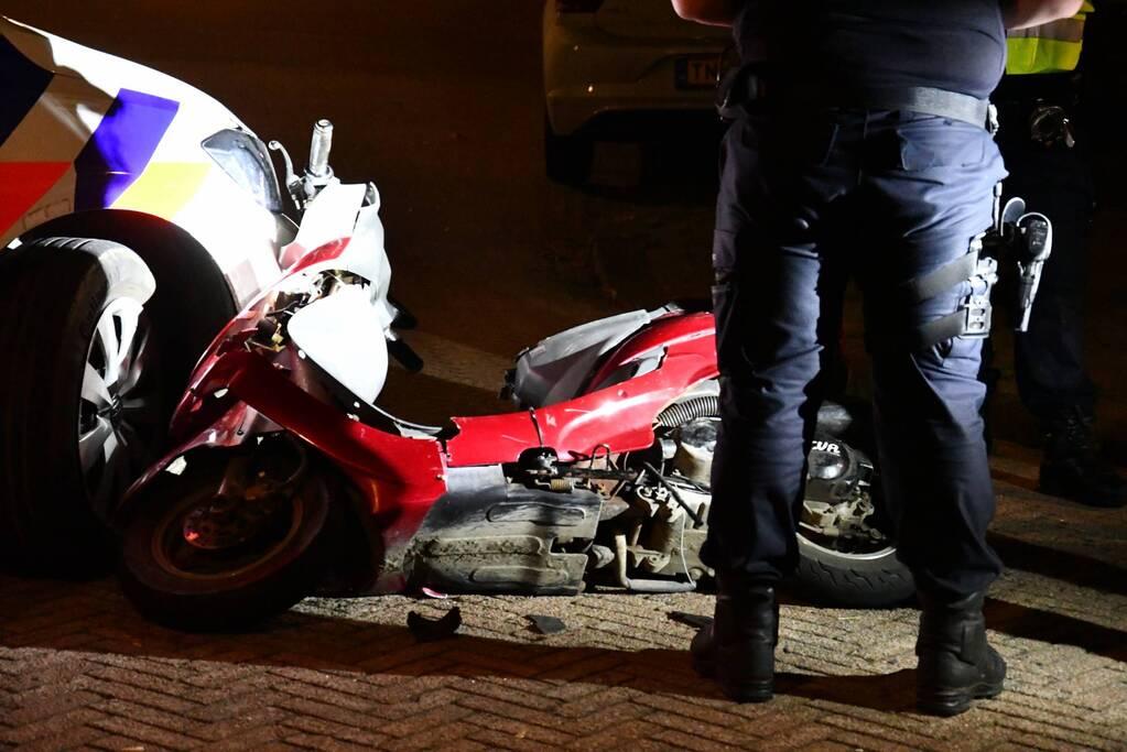 Scooter crasht bij achtervolging