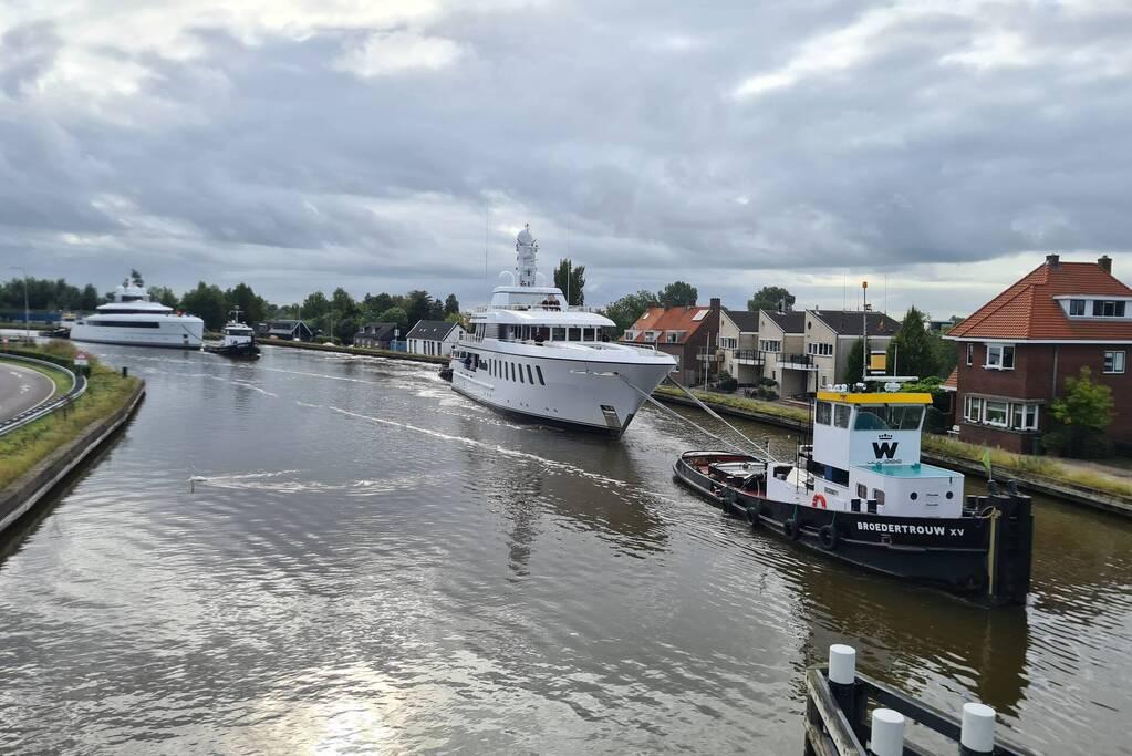 Jachtschepen Kaaimaneiland trekken veel bekijks