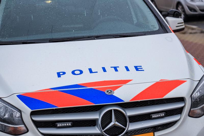 Dronken bestuurder rijdt met auto vriendin door na ongeval