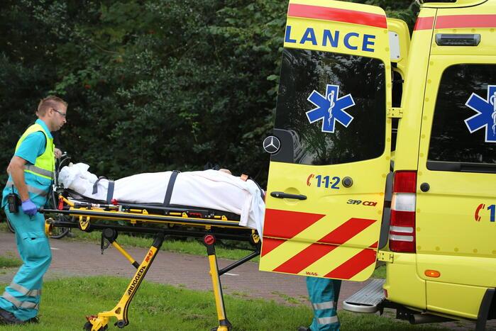 Moeder en dochter gewond na ongeval met sloopauto