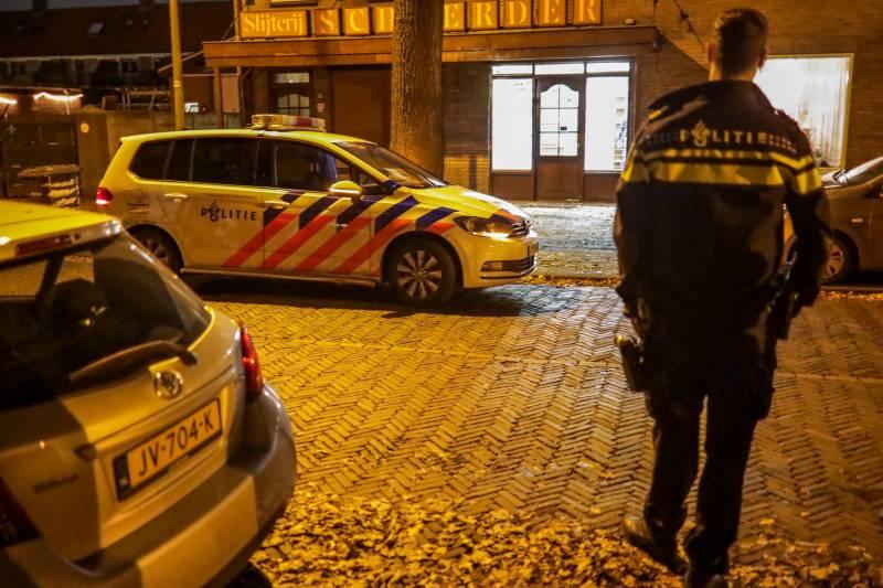 Overval op slijterij, politie doet onderzoek