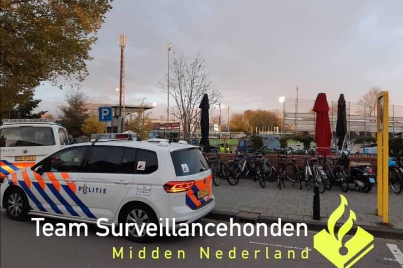 Veel politie bij uitloop voetbalwedstrijd Spakenburg vs Katwijk - Hardnieuws