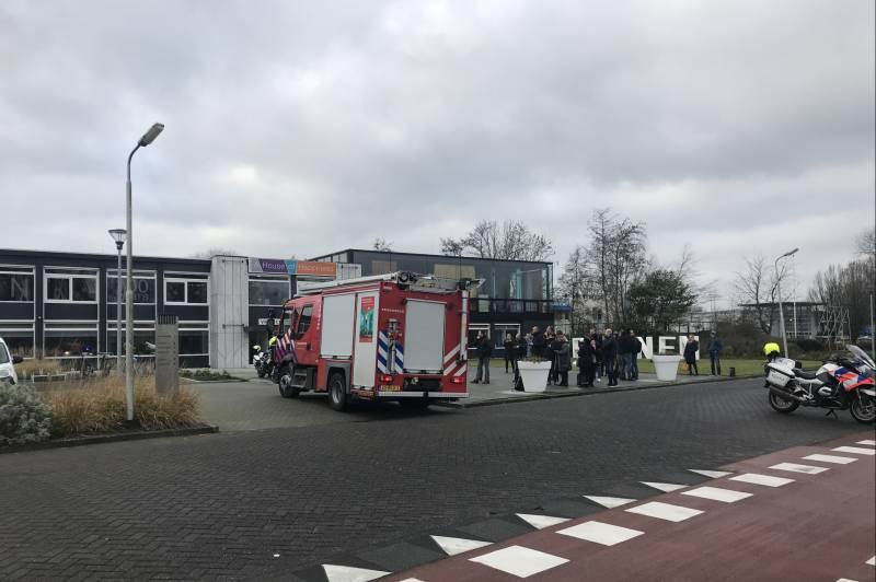 Bedrijfspand van Vriesco ontruimt na mogelijk brand