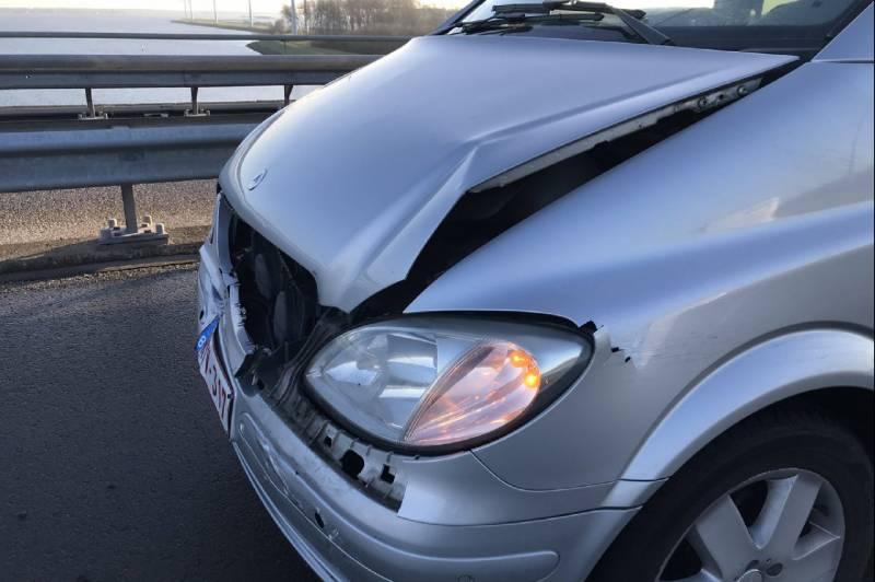 Auto's botsen op Volkerakbrug