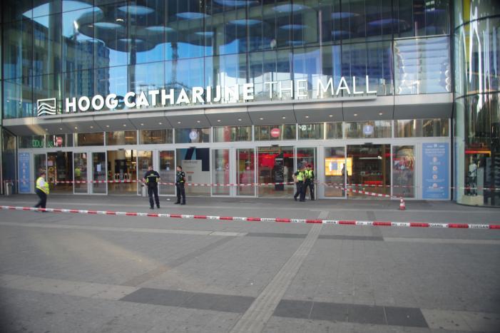 Winkelcentrum Hoog Catharijne deels afgesloten door vreemde lucht