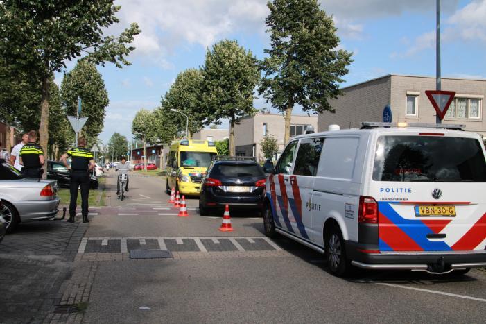 Bestuurster van scootmobiel gewond na aanrijding met auto