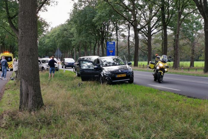 Vier voertuigen betrokken bij kop-staart botsing