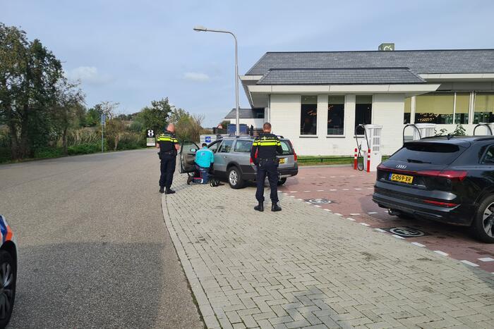 Automobilist doorgereden na aanrijding
