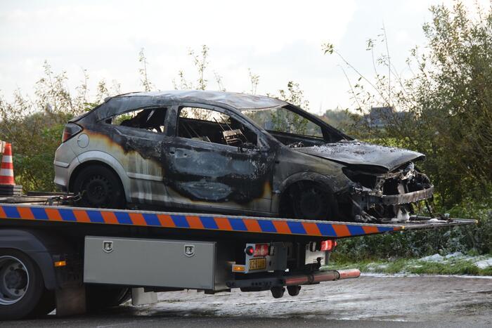 Personenauto verwoest door brand