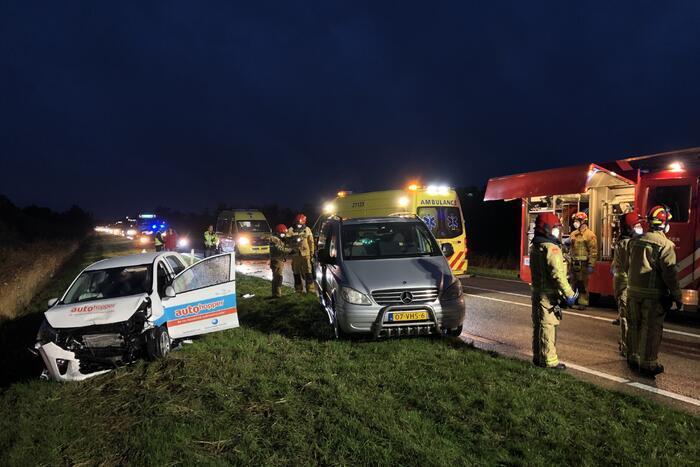 Ongeval tussen bestelbus en personenauto