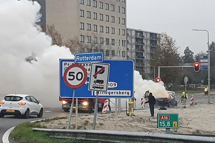 Personenauto brand af op afrit