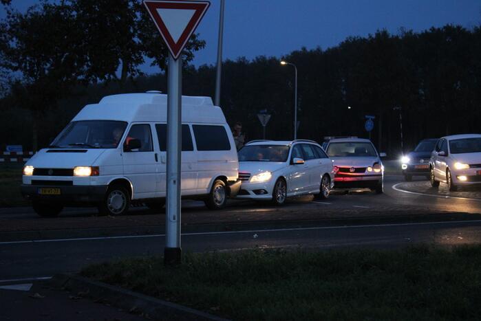 Schade na aanrijding tussen meerdere voertuigen
