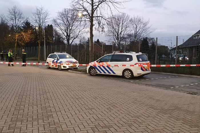 Politie lost waarschuwingsschot bij aanhoudingen