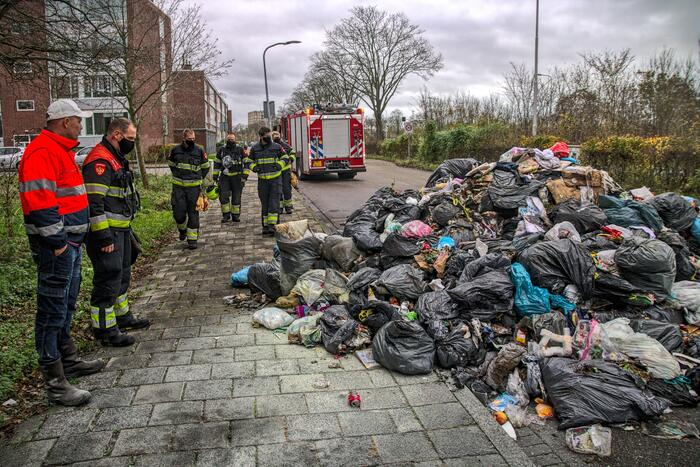 Brand in vuilniswagen snel geblust