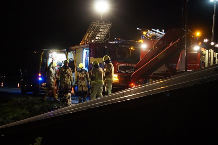 Zeer ernstig ongeval tussen vrachtwagen en bestelbus