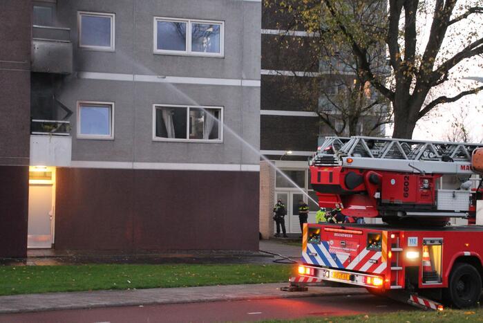 Gewonde bij uitslaande brand in flat