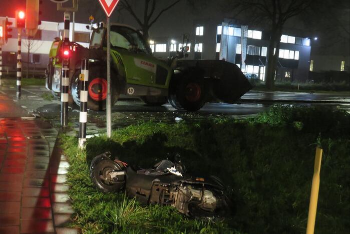 Ernstig ongeval tussen scooter en landbouwvoertuig