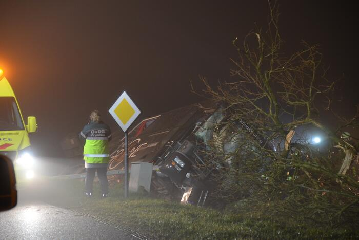 Chauffeur Arriva touringcar overleden bij crash