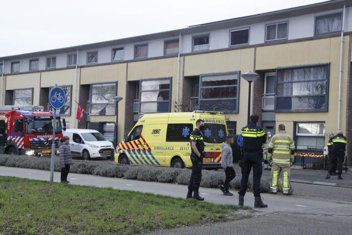 Vrouw gewond na val in woning
