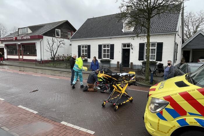 Vrouw gewond bij aanrijding met auto