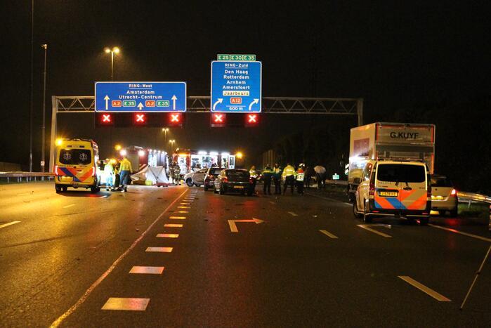Vrouw omgekomen bij groot ongeval op snelweg