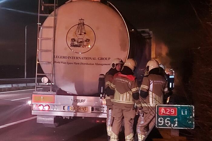 Brand in vrachtwagen snel onder controle