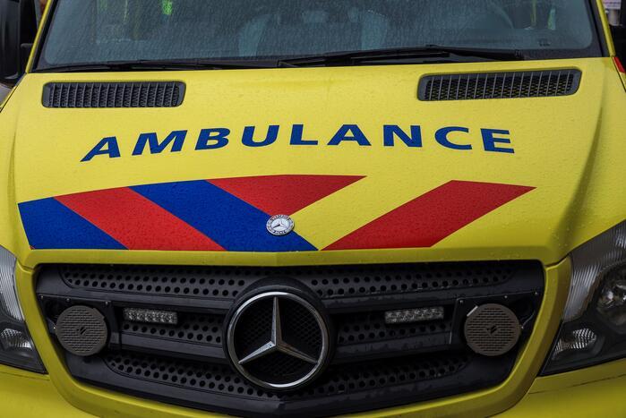 Voetganger gewond bij aanrijding met vrachtwagen
