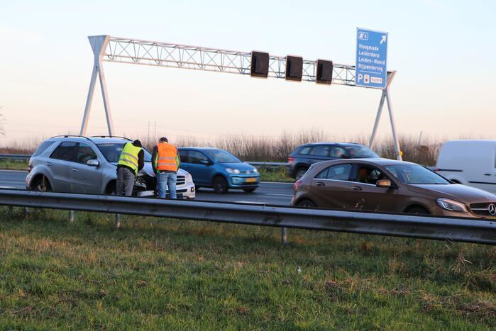 Verkeershinder na aanrijding tussen twee voertuigen
