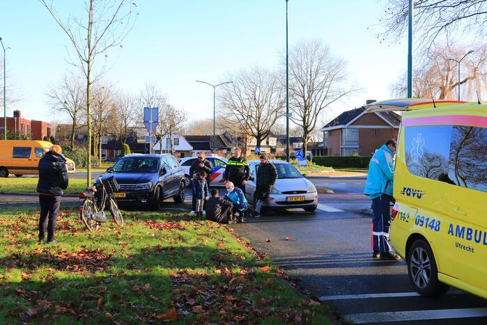 Jongeman op fiets aangereden