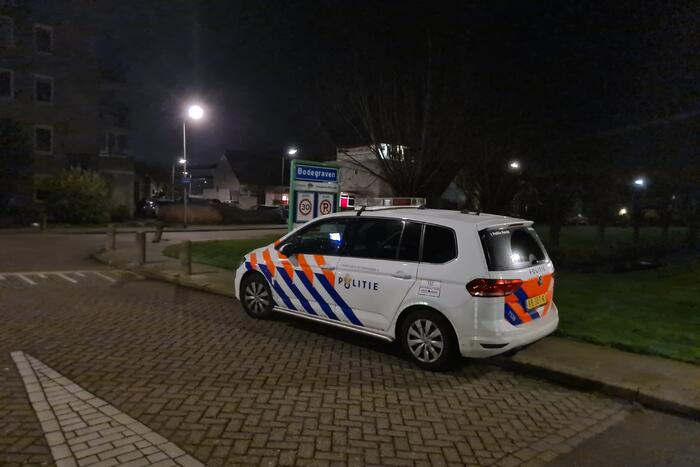 Politie breekt deur open na waterlekkage