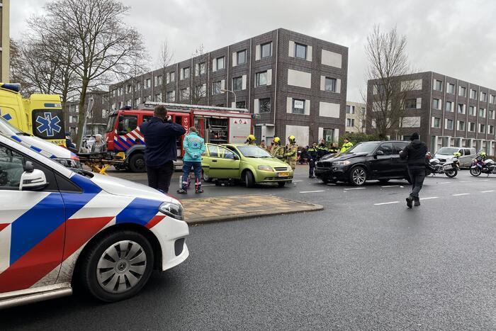 Gewonde bij aanrijding tussen twee auto's