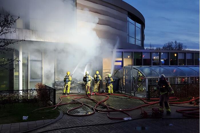 Grote brand in Zone College