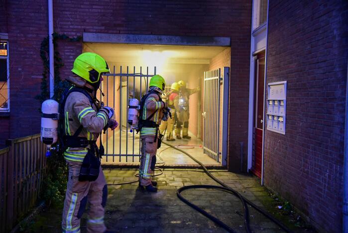 Woningen ontruimd door brand in kelderbox