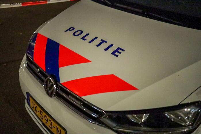 Politie bekogeld met vuurwerk