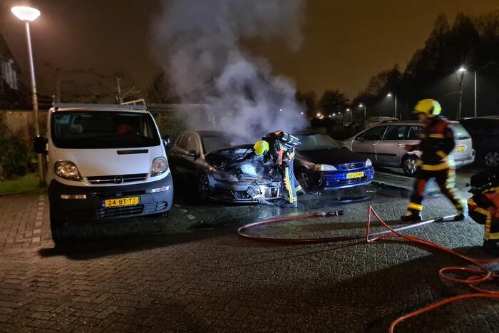 Volkswagen Golf gaat in vlammen op