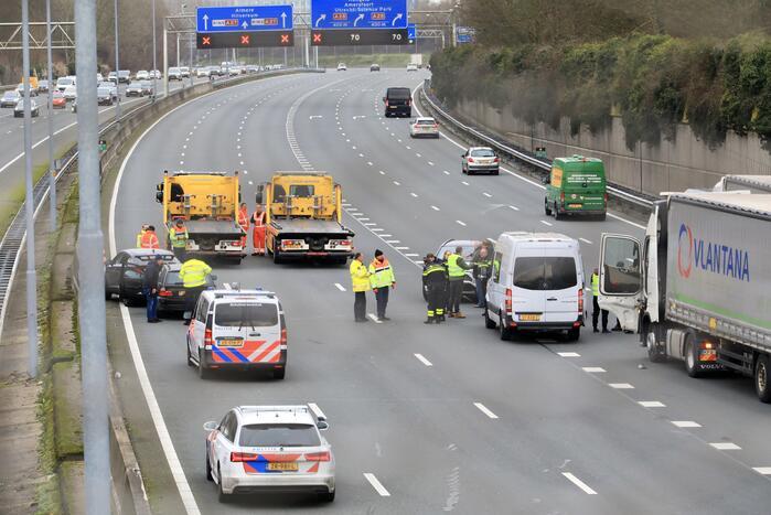 Meerdere voertuigen betrokken bij ongeval snelweg